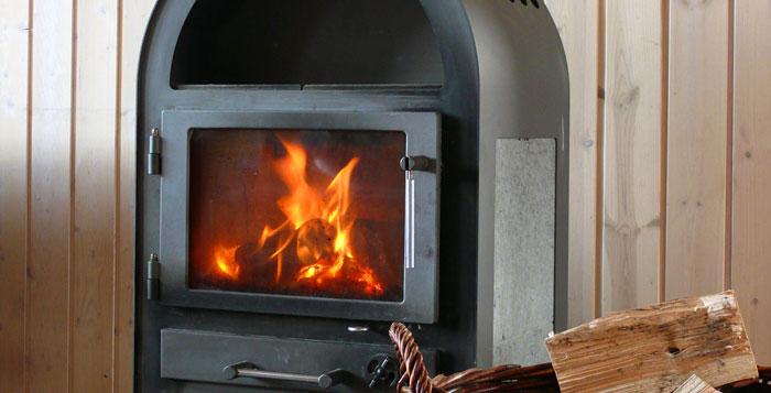 Kaminofen: Drinnen mollig warm, draußen viel Qualm - Gaius