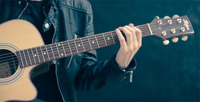 Bass, Trompete, Schlagzeug: Musizieren mit lauten